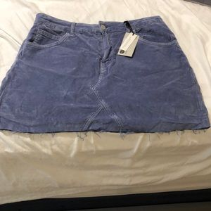TOPSHOP CORDUROY SKIRT ***STILL WITH THE TAGS***